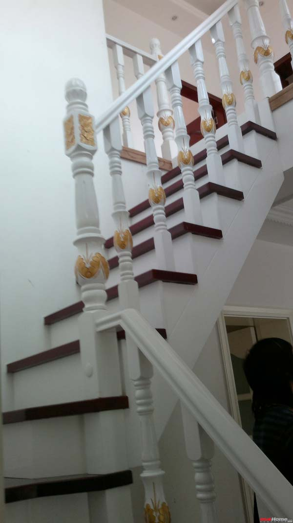 旋转楼梯,实木的,很细