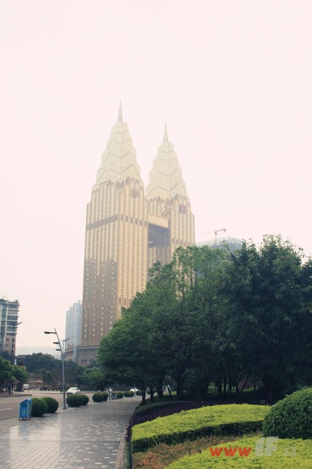 重庆的黄金双塔