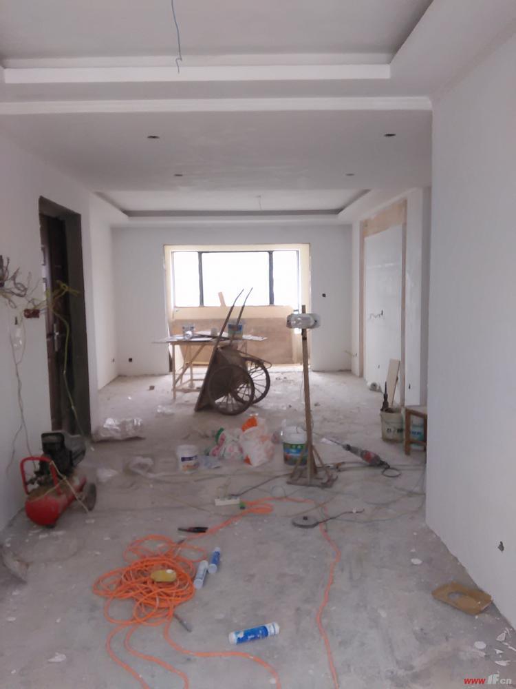 (1)防水工程(卫生间,厨房,阳台墙地面防水等)(2)水电安装(布线,改管道