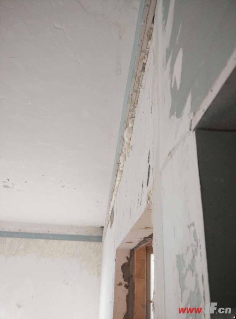 装修施工中瓦工 木工 油工需要注意的事高清图片