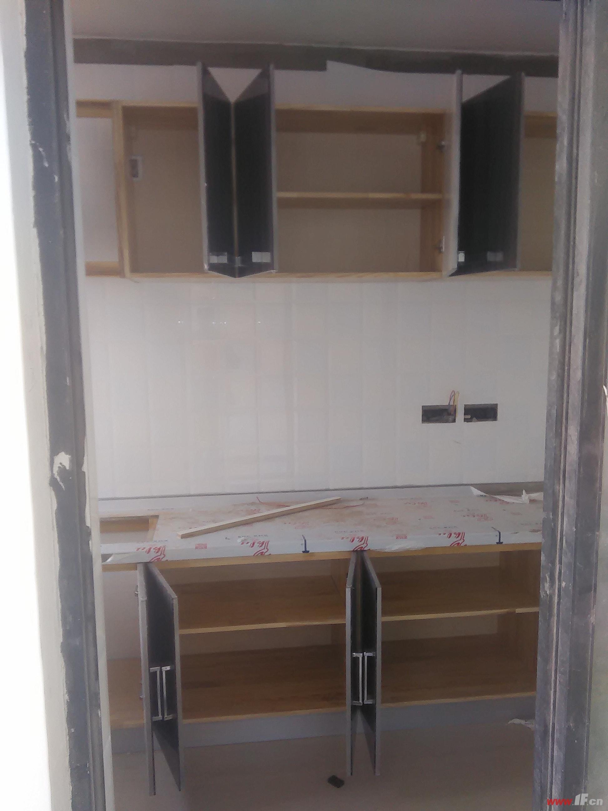 (1)防水工程(卫生间,厨房,阳台墙地面防水等)(2)电路安装(布线,改管道