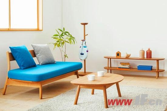 2    原木家具即全实木家具,指采用自然的树木做原料,制作和设计