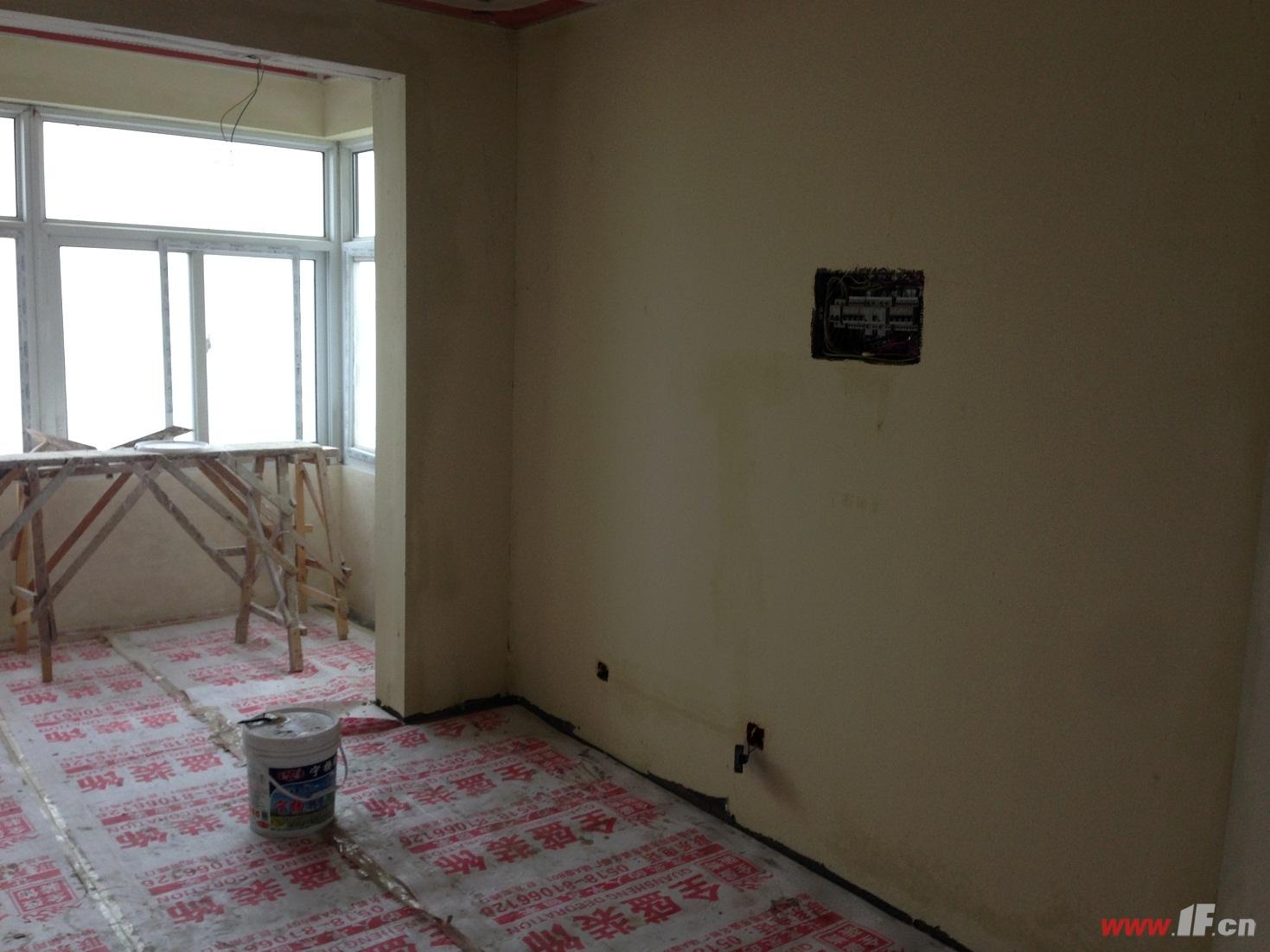 万润一品苑三期117平米装修施工日志(木油漆工进场.